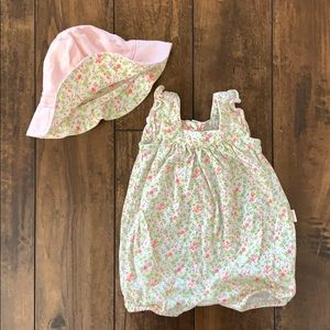 EUC Baby Gap Romper and matching hat set 0-3m